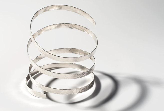 Spiral bangle